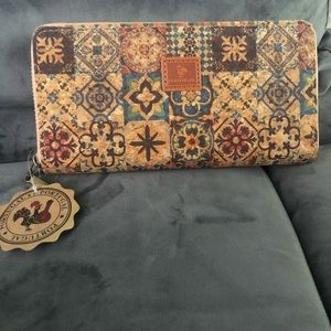 New- Authentic cork purse